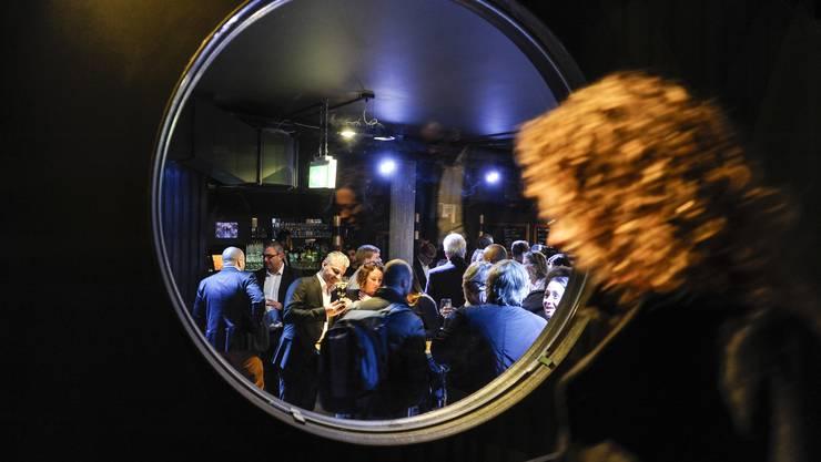 Lauter Basler Promis feiern eine «unbaslerische» Party
