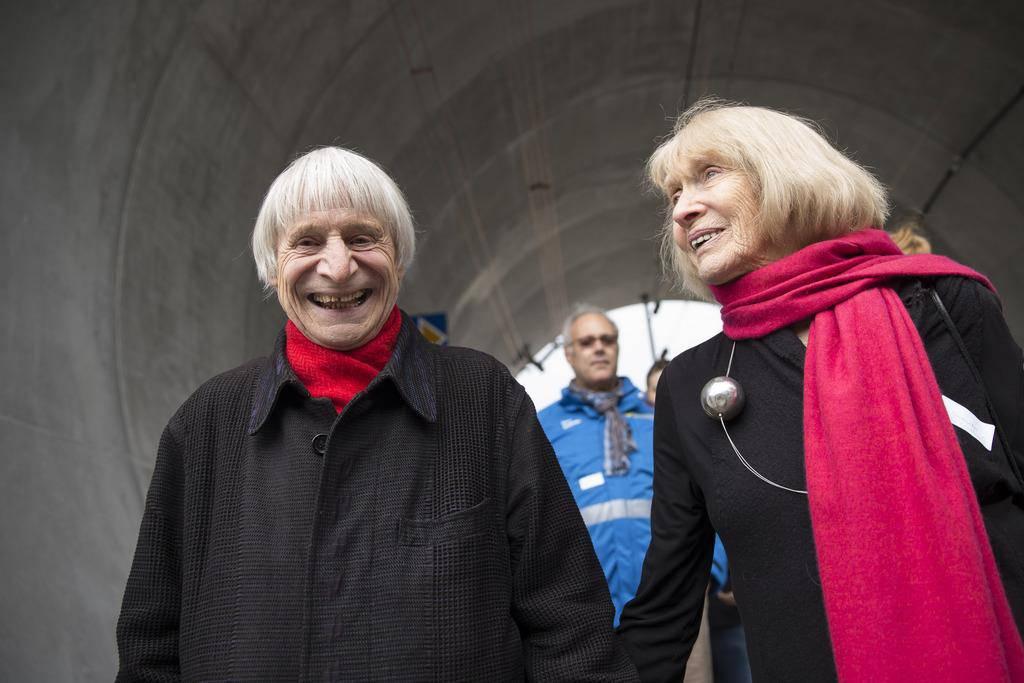 2016: Einer der letzten Auftritte - Dimitri und Frau Gunda besuchen die Neat-Sonderausstellung im Verkehrshaus Luzern (© Keystone)
