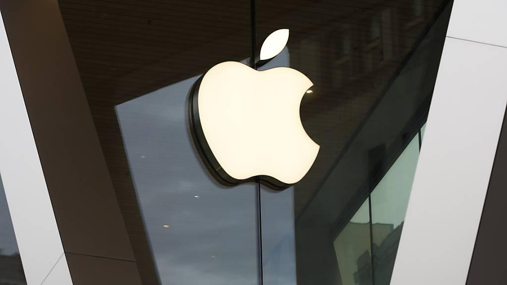 Der iPhone-Konzern Apple bricht in der Corona-Krise Rekorde: Der Umsatz sprang von Januar bis März um fast 54 Prozent auf bisher in diesem Zeitraum nie erreichte 89,6 Milliarden Dollar.