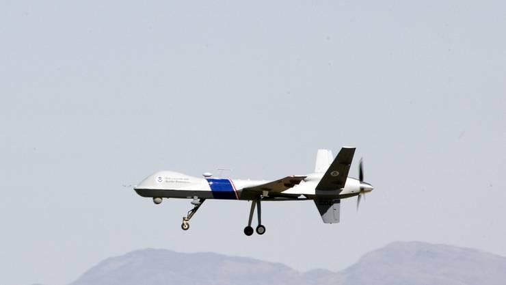 """Eine US-Drohne vom Typ """"Predator"""". Die USA setzten nach eigenen Angaben Aufklärungsdrohnen über Libyen ein, um die Sicherheitssituation und Terroristen zu überwachen. (Archivbild)"""