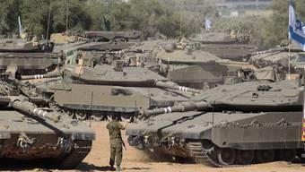 Israelische Panzer an der Grenze zum Gaza-Streifen.