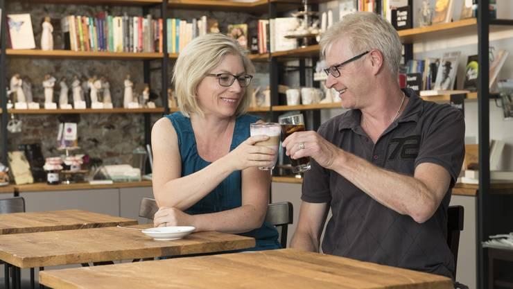 Chris und Regula Kempf haben vor einem Jahr die christliche Buchhandlung in Baden übernommen und ein Bistro integriert.