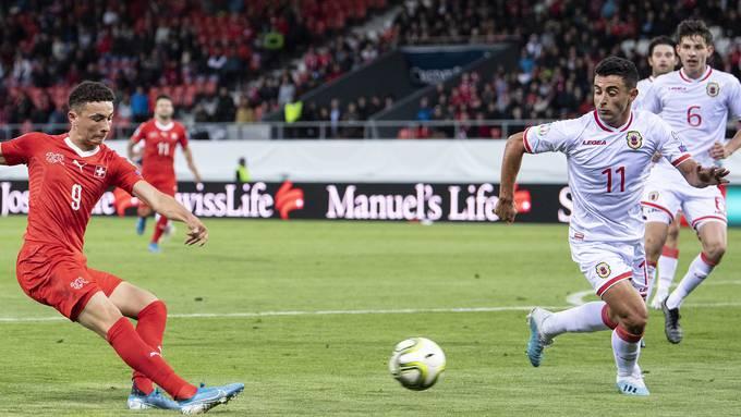 Debütierte gegen Gibraltar: Ruben Vargas (links).