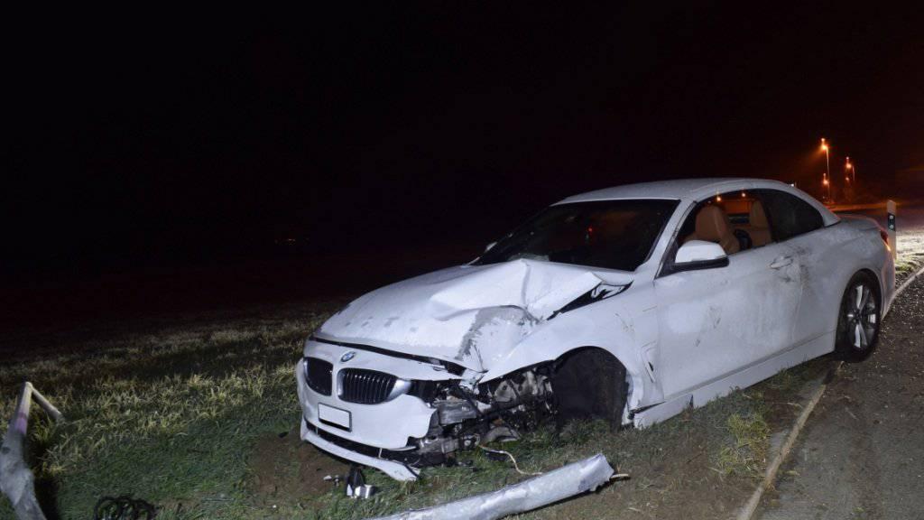 Einen Kandelaber gefällt hat eine betrunkene Autofahrerin in Hochdorf LU.