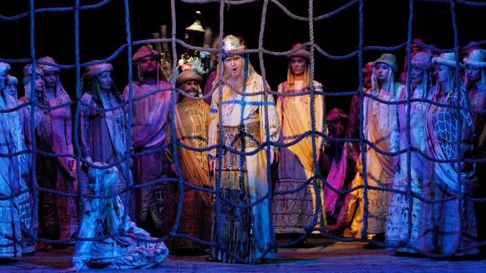 Farbenfrohe Kostüme, grandiose Musik: «Nabucco» – wie er in Baden in Szene gesetzt wird.  ZVG