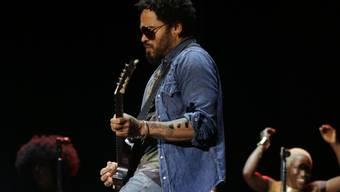 Lenny Kravitz - hier letzte Woche in Barcelona -  entblösste bei einem Konzert in Stockholm unabsichtlich sein gepierctes Gemächt (Archiv)