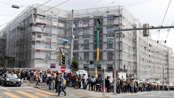 Neu kann man sich im Internet für eine Wohnung in der Stadt Zürich bewerben.