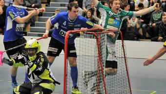 Jubel und Dramatik zum Playoff-Start – mit dem besseren Ende für das Heimteam. Patrick Mendelin (50) erzielte den Siegtreffer für Wiler-Ersigen. Hans Ulrich Mülchi