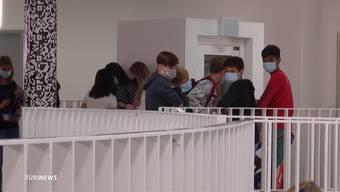 Thumb for 'So erleben Zürcher Schüler den Schulstart mit Maskenpflicht'