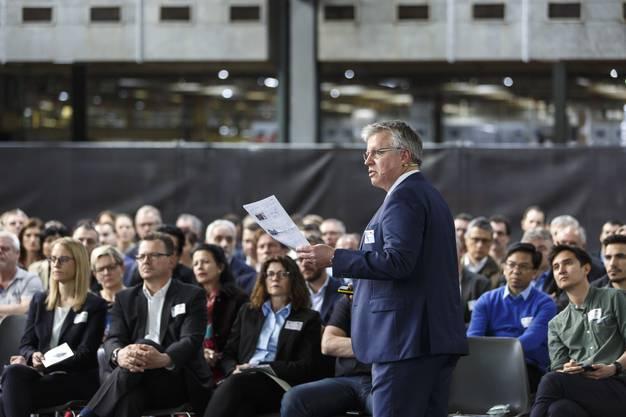 Die Berufsmesse IBLive (Industrieberufe Life) wird eröffnet. Vortrag Robert Rudolph, Leiter Digitalisierung und Innovation Swissmem.