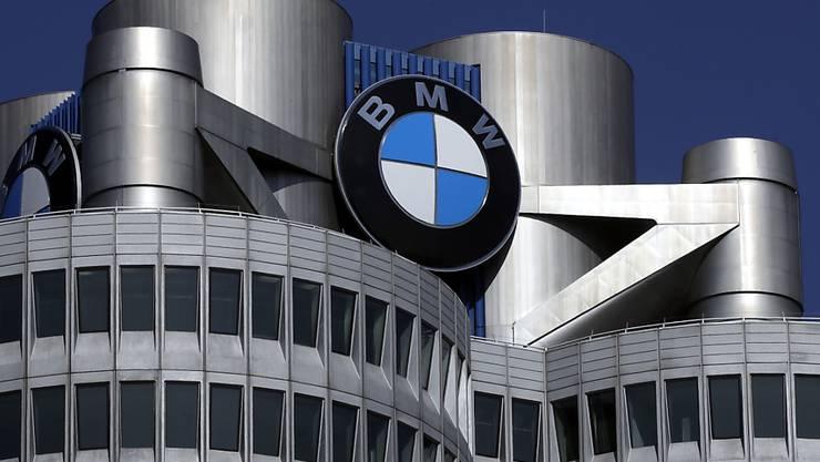Die BMW AG in München vereinbarte mit ihren Händlern eine unzulässige Exportklausel. (AP Photo/Matthias Schrader,file)