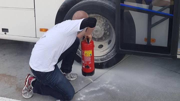 RBL-Bus muss auf dem Heimweg vom Unspunnen wegen Panne in Gunzgen einen Nothalt machen