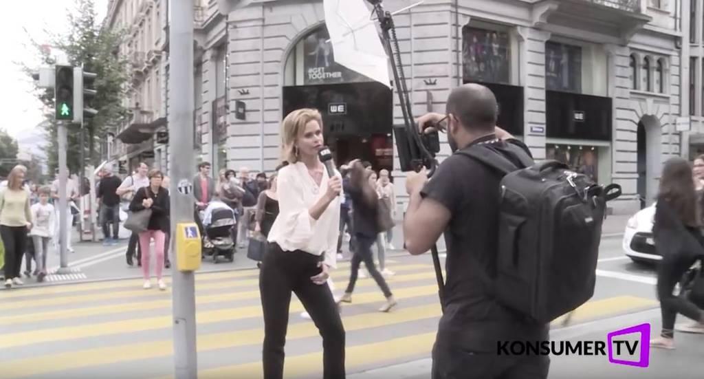 Irina Beller posiert an der Bahnhofstrasse