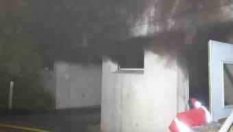 Beim Brand in der Einstellhalle eines Mehrfamilienhauses in Oberwil BL Ende August entstand grosser Sachschaden.