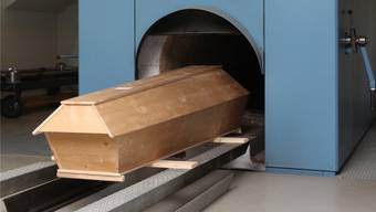 Neu sollen die Angehörigen die Kremationskosten bezahlen. (Symbolbild)