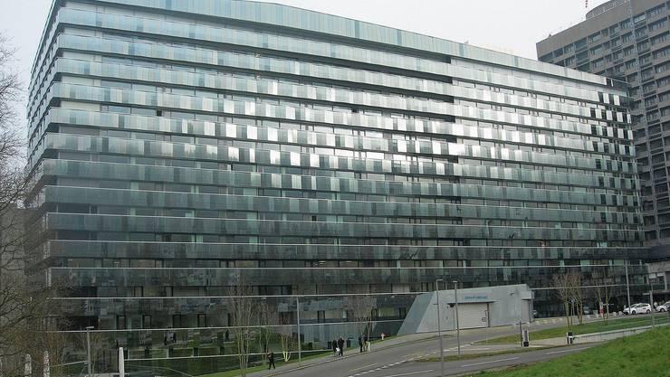 Das neue Bettenhaus des Triemlispitals bietet Platz für 550 Betten; in Betrieb sind aber lediglich 400.
