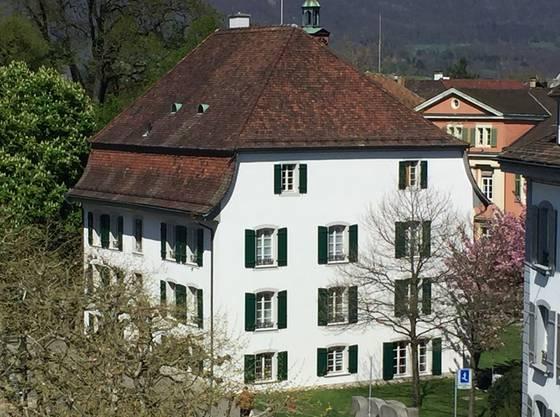 Ist jetzt es wieder richtig weiss: das Oboussier-Haus am Graben 9.