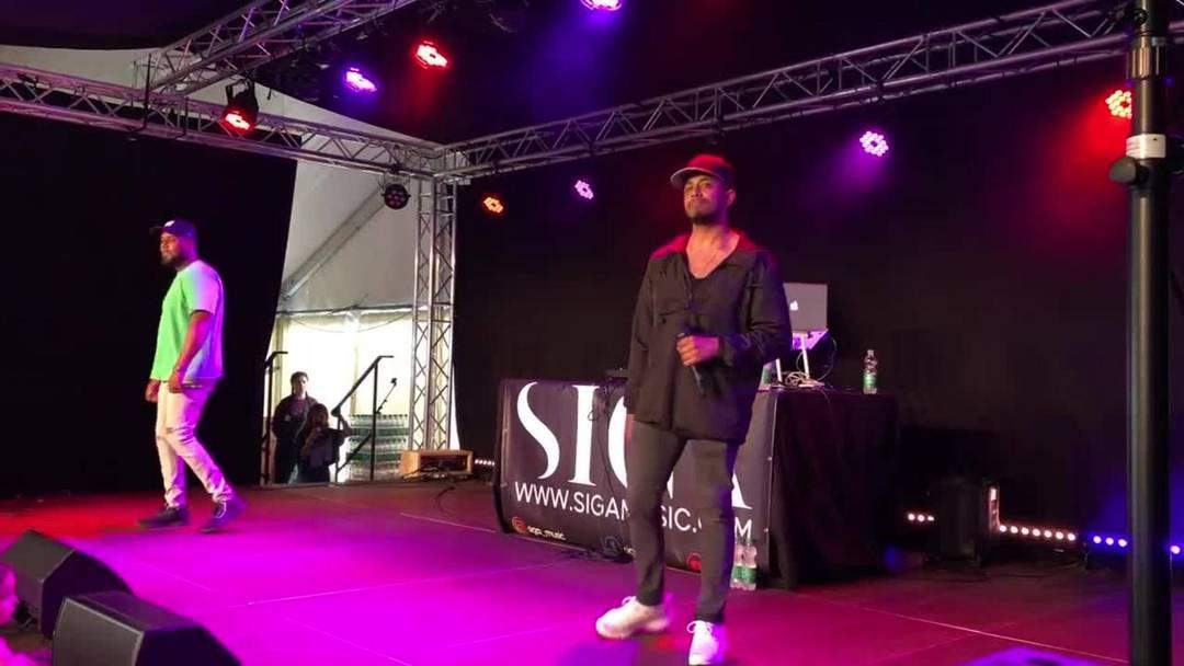 """Ein Ausschnitt von Siga und Morishs neuer Single """"Gucci Mania"""" am Dietiker Sommerfest"""