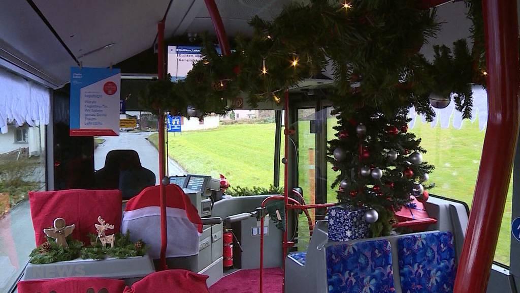 Weihnachten auf Rädern: Geschmückter Linienbus in Olten