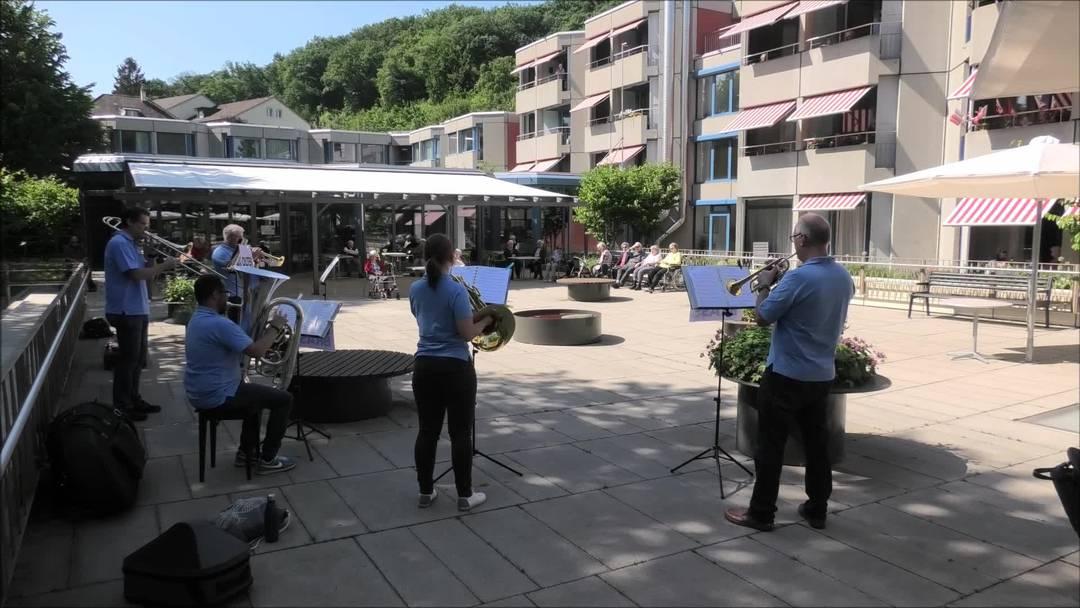Das Quintett OltenBrass spielt für Altersheime