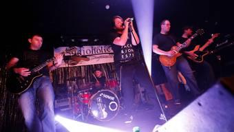 «Audioholics» – hier zu fünft mit dem neuen Bandmitglied.