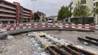 Die Limmattalbahn – auf dem Bild das bisherige Ende der Baustelle in Schlieren – darf weitergebaut werden.