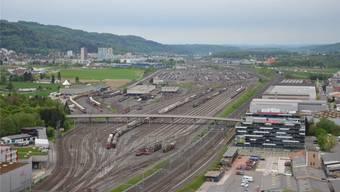 Einer der möglichen Standorte für einen «Hub» des «Cargo sous terrain»-Netzes: Die Ortsgüteranlage zwischen Dietikon und Spreitenbach.JK