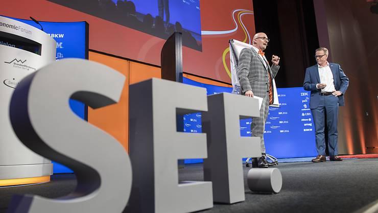 Die drei Start-Up-Unternehmen Geosatis, Gamaya und Felfel sind mit dem diesjährigen SEF.Award ausgezeichnet worden. Sie erhalten je 25'000 Franken Preisgeld. (Symbolbild)