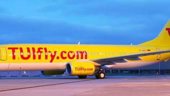 Am Freitag bleiben alle Flieger von Tuifly auf dem Boden. (Archiv)
