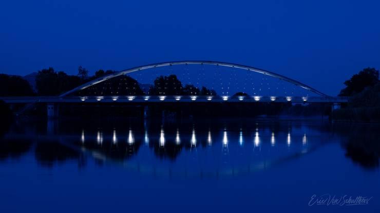 Eine der mit Bronze ausgezeichneten Aufnahmen: Die Archbrücke in der blauen Stunde.