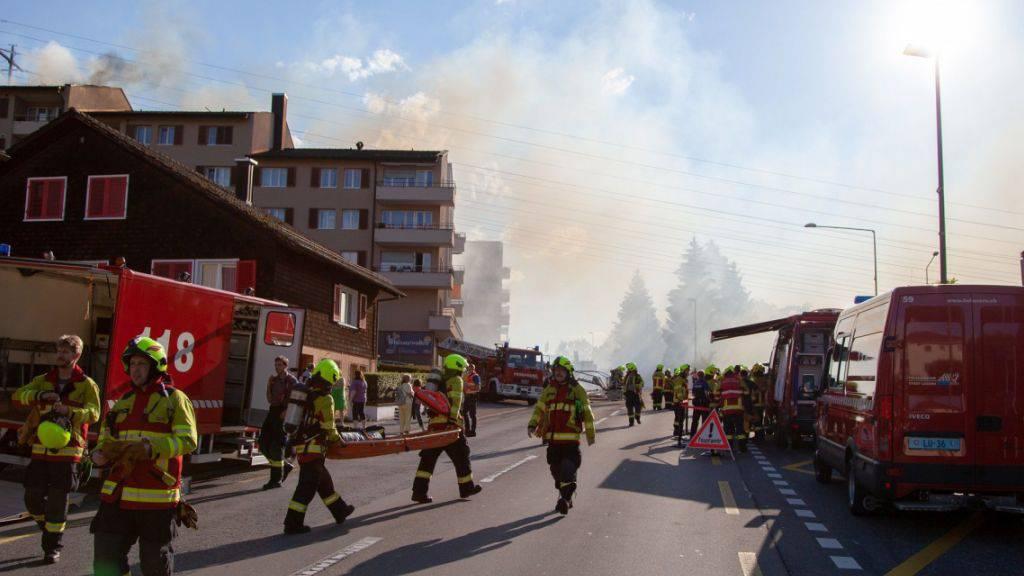 In Luzern brannte der Dachstock eines Wohnhauses.