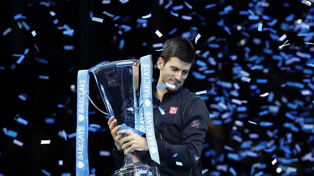 Titelverteidiger Novak Djokovic bei der letztjährigen Siegerehrung in London