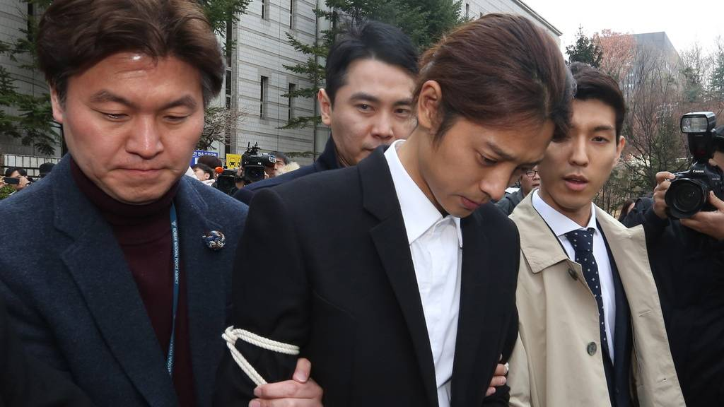 Mehrjährige Haft für zwei K-Pop-Stars