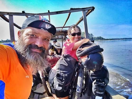 Guido Huwiler und Rita Rüttimann aus Aarau sind ausgebüxt. Seit Februar 2017 reisen sie mit dem Velo um die Welt.