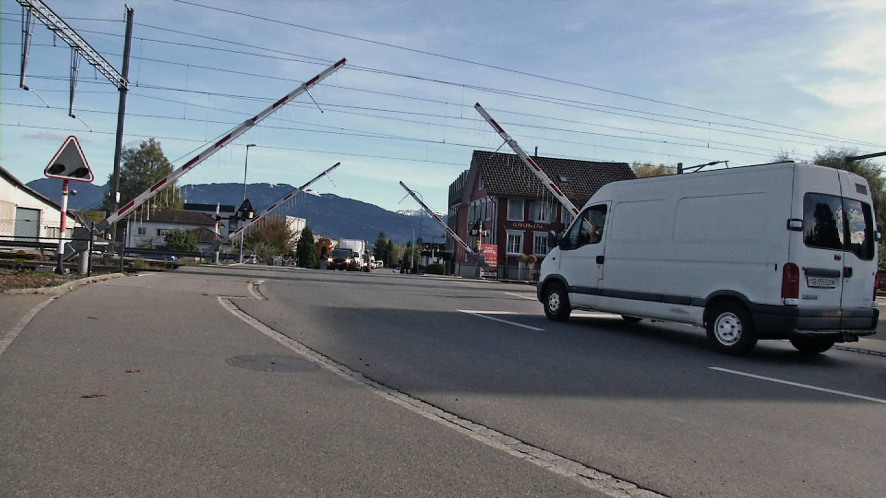Dieser Bahnübergang nervt das Gewerbe in Altstätten.