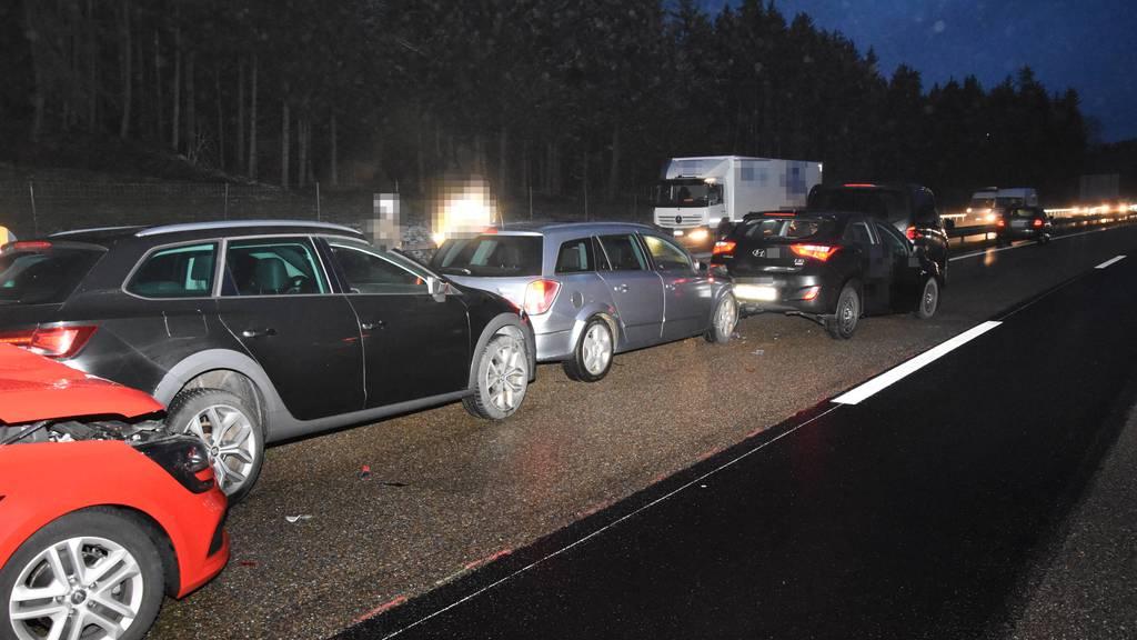 Auffahrkollision mit sechs Autos bei Gossau