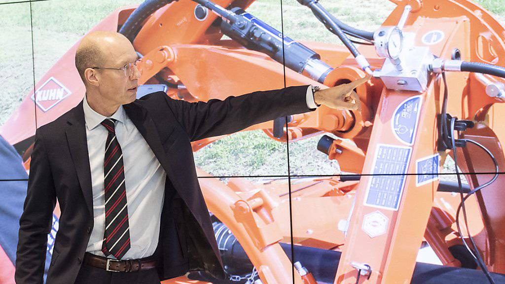 Bucher Industries - im Bild CEO Jacques Sanche - hat im ersten Halbjahr eine rückläufige Nachfrage nach den Landmaschinen der Kuhn Group in den USA verspürt. (Archivbild)
