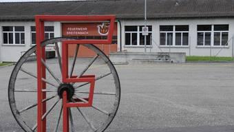 Unklar: Die Breitenbacher Feuerwehr muss aus finanziellen Gründen neu strukturiert werden – aber ohne zehn der elf Kaderleute. (Bild: Kenneth Nars)