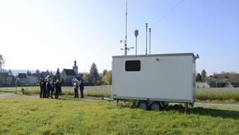 Der Waggon beim Altwyberhüsli in Solothurn ist eine von fünf Stationen im Kanton, die die Qualität der Luft misst. Hier stellten gestern Vertreter von Kanton und Bund den Bericht «30 Jahre Luftreinhaltung» Medien- schaffenden vor.