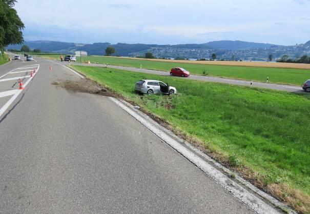 Die Kantonspolizei nahm dem Unfallverursacher den Führerausweis ab.