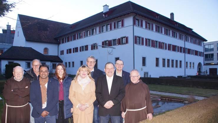 OK des Klostergartenfestes 2018 (v.l.): Bruder Werner Gallati, Fridolin Fleischli, Noel Mariampillai, Tina Büchel, Denise Cervi, Robert Grob, Renzo Cervi, René Wernli, Bruder Josef Bründler. Es fehlt: Andreas Hagmann.