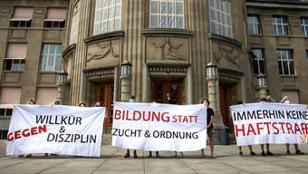 Studierende wehren sich gegen die neue Disziplinarverordnung der Universität Zürich.