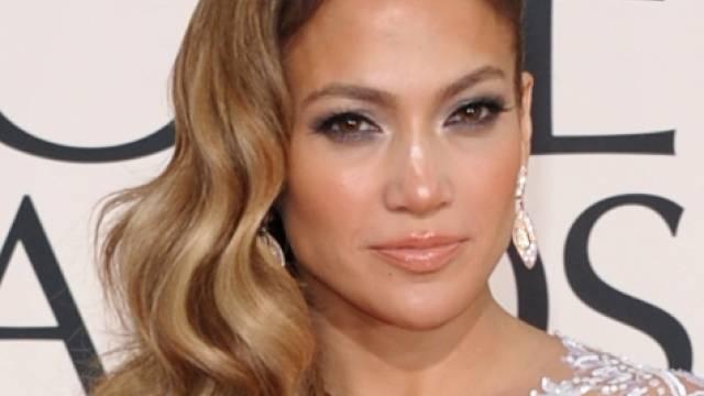 J.Lo posierte am Strand, als in der Nähe Schüsse fielen (Archiv)