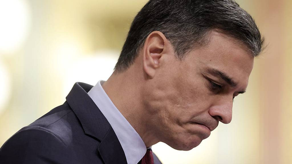 Spaniens Ministerpräsident Pedro Sanchez hat sich am Donnerstag mit einer umstrittenen Aussage in den Streit um Fleischkonsum innerhalb seiner Regierung eingeschaltet. «Für mich ist ein medium gebratenes Steak unschlagbar», sagte er zu einem spanischen Journalisten am Rande eines Besuchs in Vilnius.