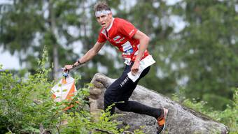 Matthias Kyburz ist Titelverteidiger an der Schweizermeisterschaft im Nacht-OL.
