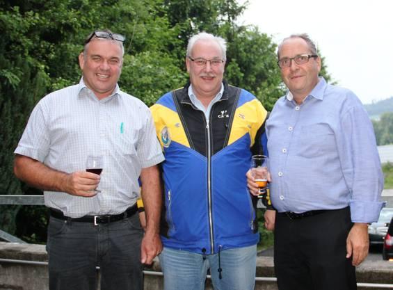 Die Präsidenten (vl): Stefan Schmid (Gewerbeverein Urdorf), Albert Buchwalder (Sportschützen Albisrieden-Urdorf), Jürg Hiltmann (Ehrenpräsident Albisrieden)