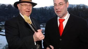 Klaus Baumgartner (l.) übergibt 2004 das Zepter an seinen Nachfolger Alexander Tschäppät. (Archiv)