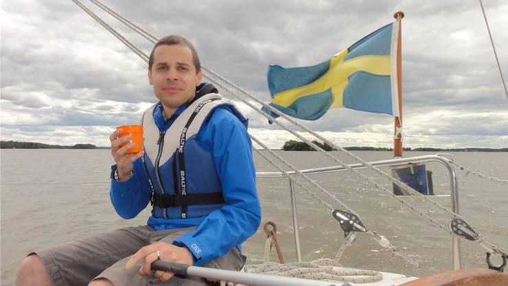Der Dottiker Stephan Meier liebt es, auf seinem Segelboot den Mälaren-See zu durchkreuzen, der direkt vor seiner neuen Heimat Västerås in Schweden liegt. Fotos: zvg