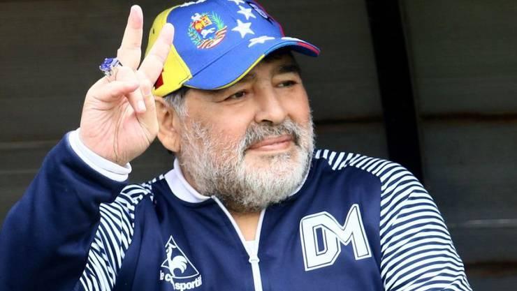 Diego Maradona bleibt Trainer des argentinischen Erstligisten Gimnasia y Esgrima La Plata. (Archiv)