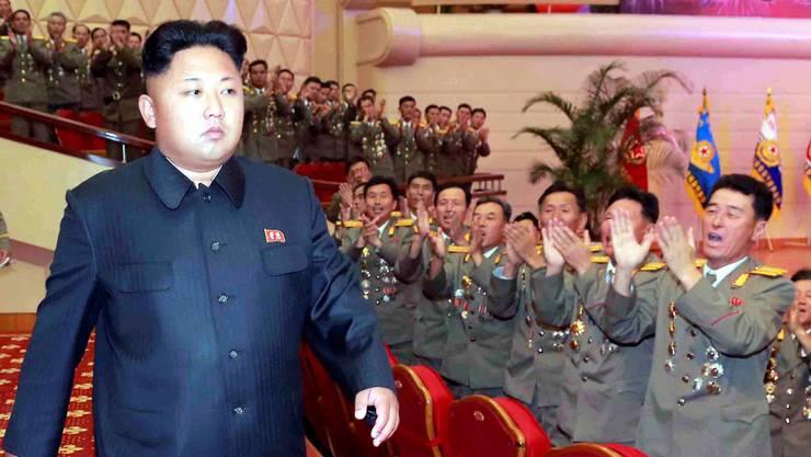 Kim Jong Un bei einem seiner letzten Auftritte in einem Theater in Pjöngjang im vergangenen Juli. keystone